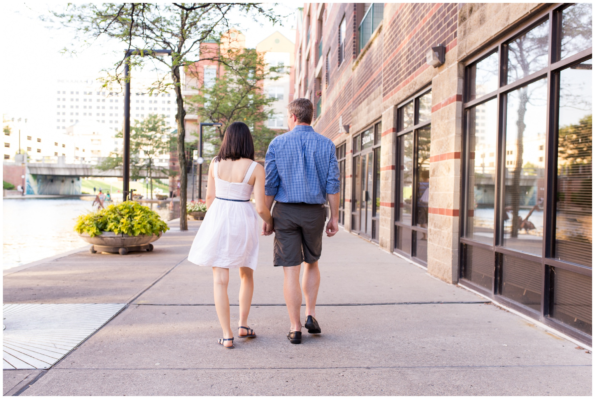 Lifestyle couples photo session in downtown Indianapolis