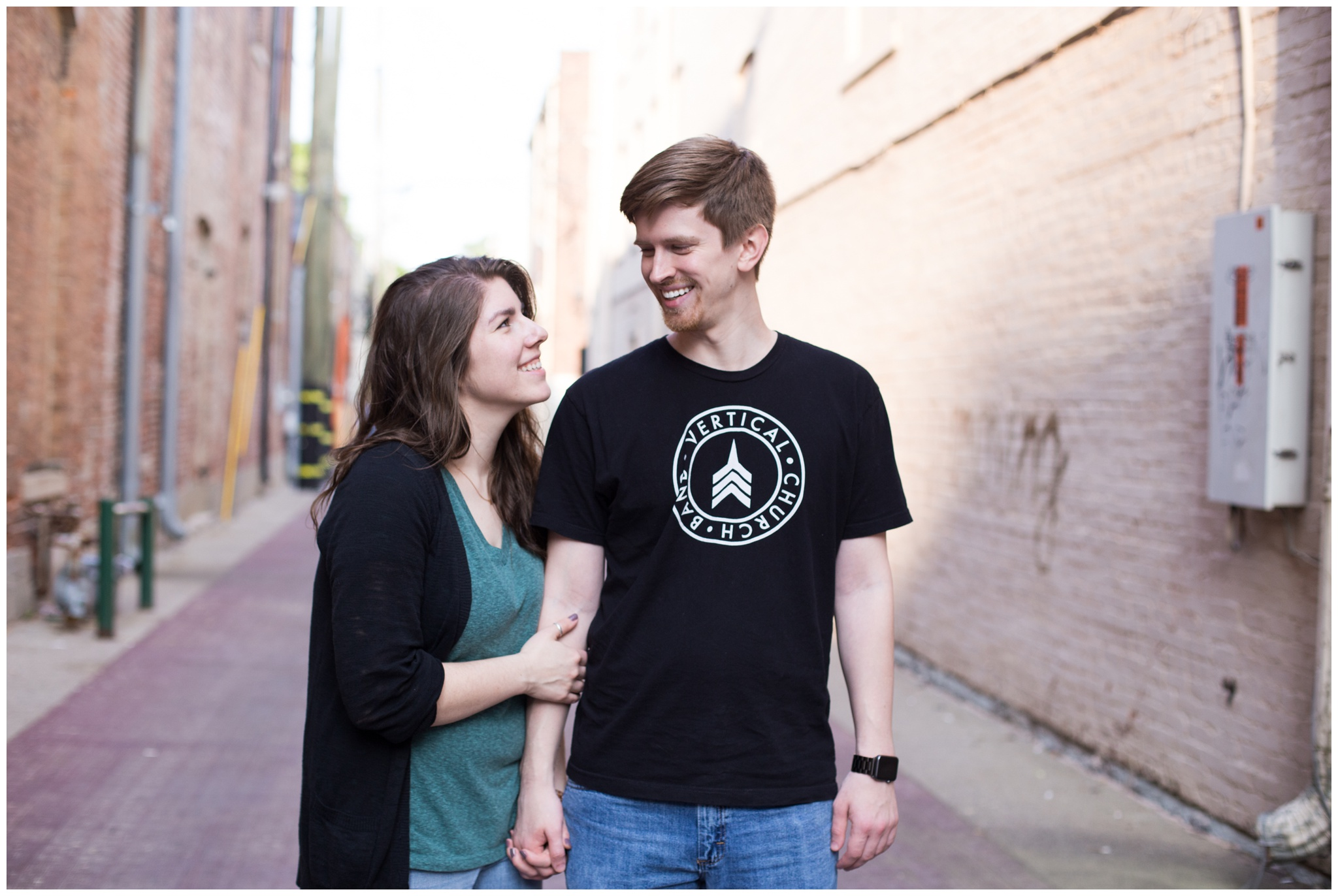 downtown Noblesville Indiana engagement session