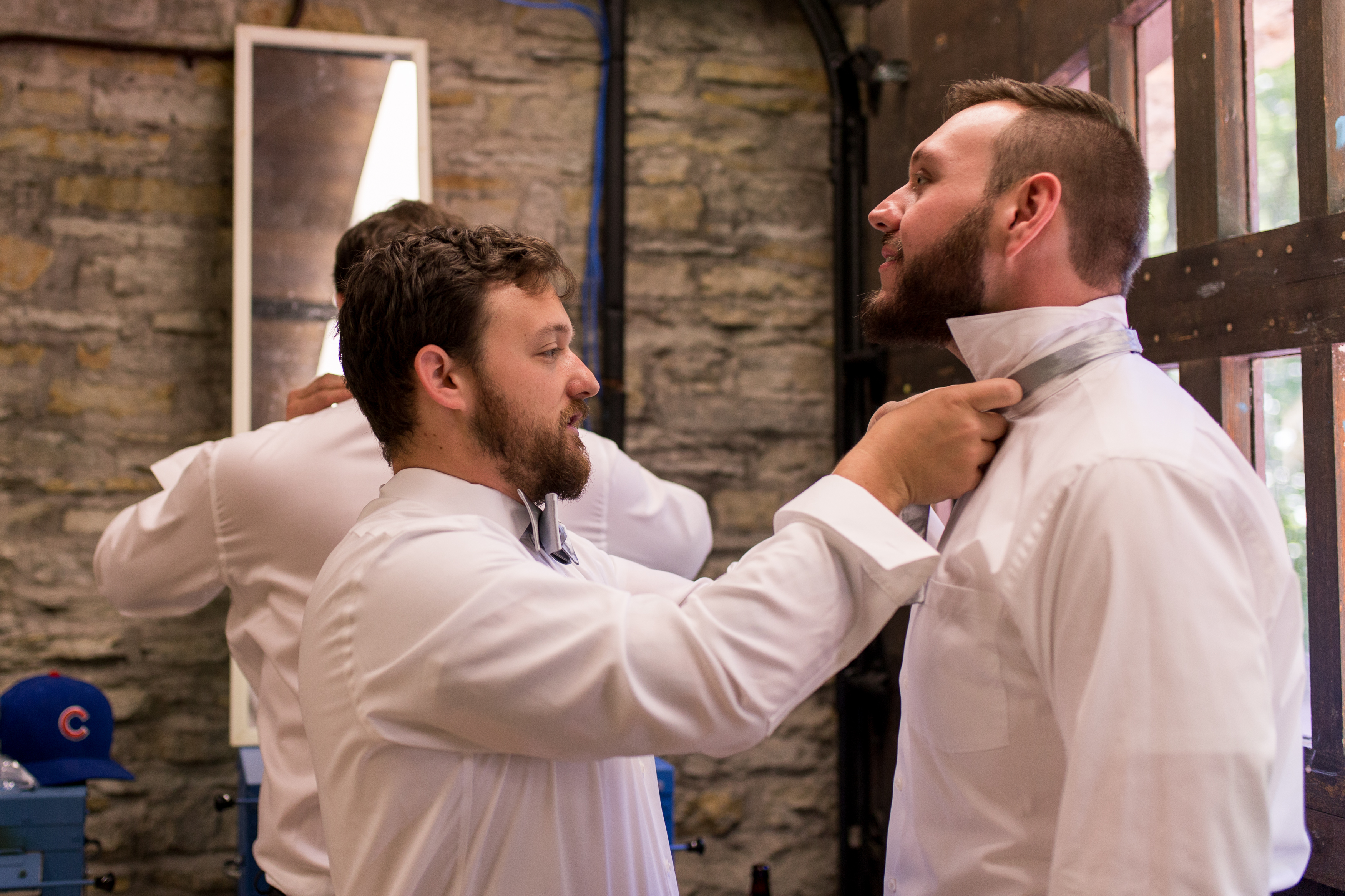 groomsmen getting ready at Oakhurst Gardens for Muncie Indiana wedding