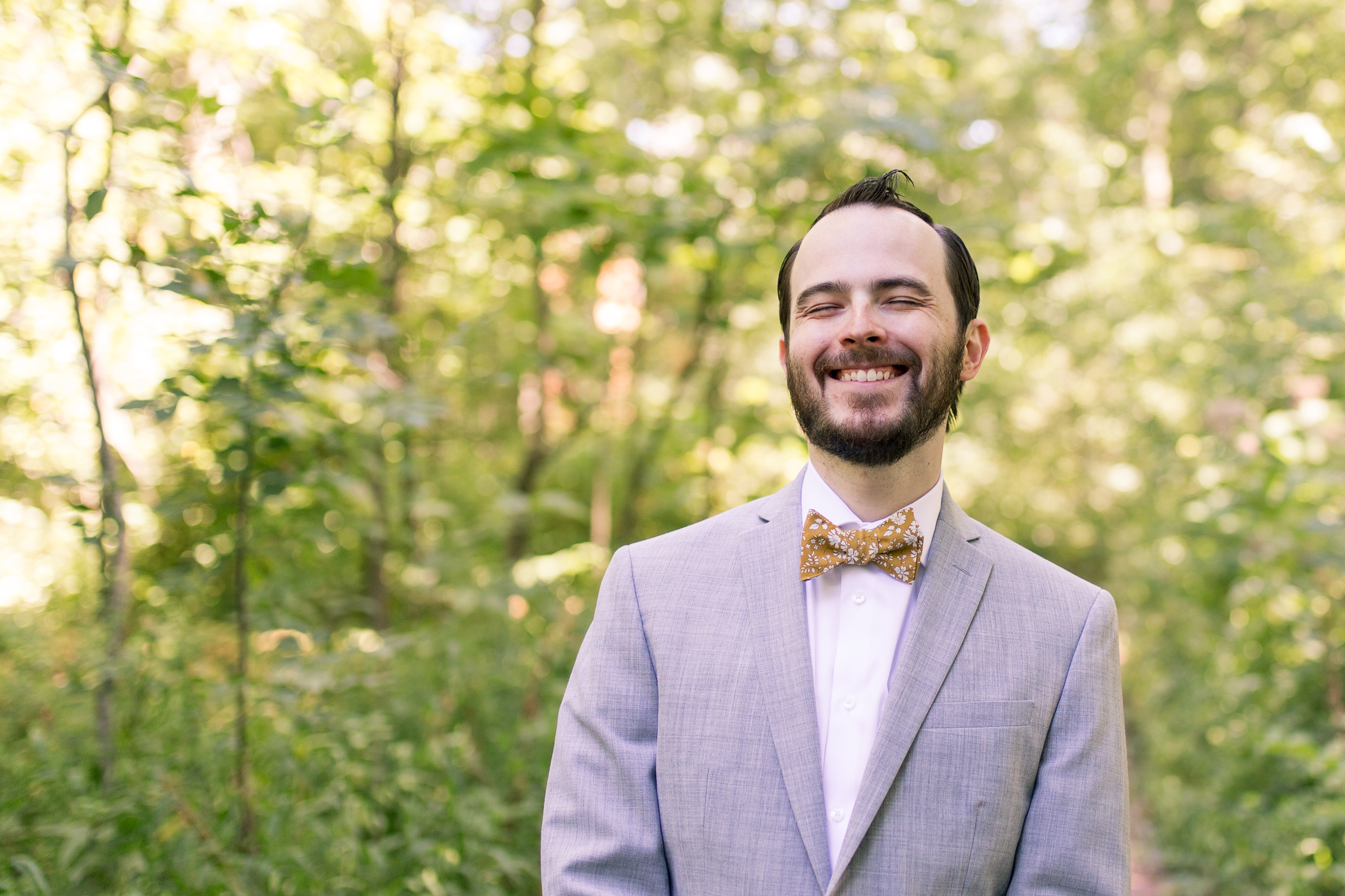 groom in gardens at Minnetrista Cultural Center