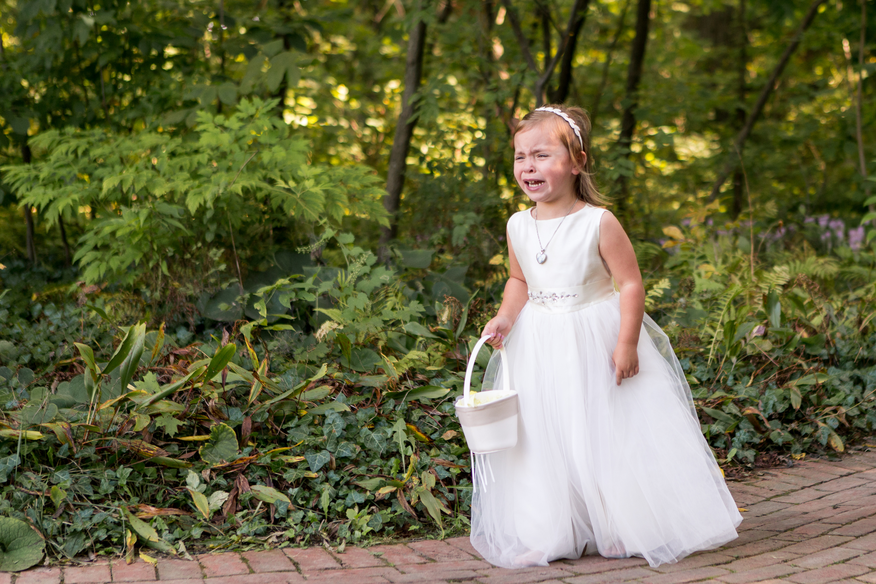flower girl crying before wedding ceremony at Minnetrista in Muncie Indiana