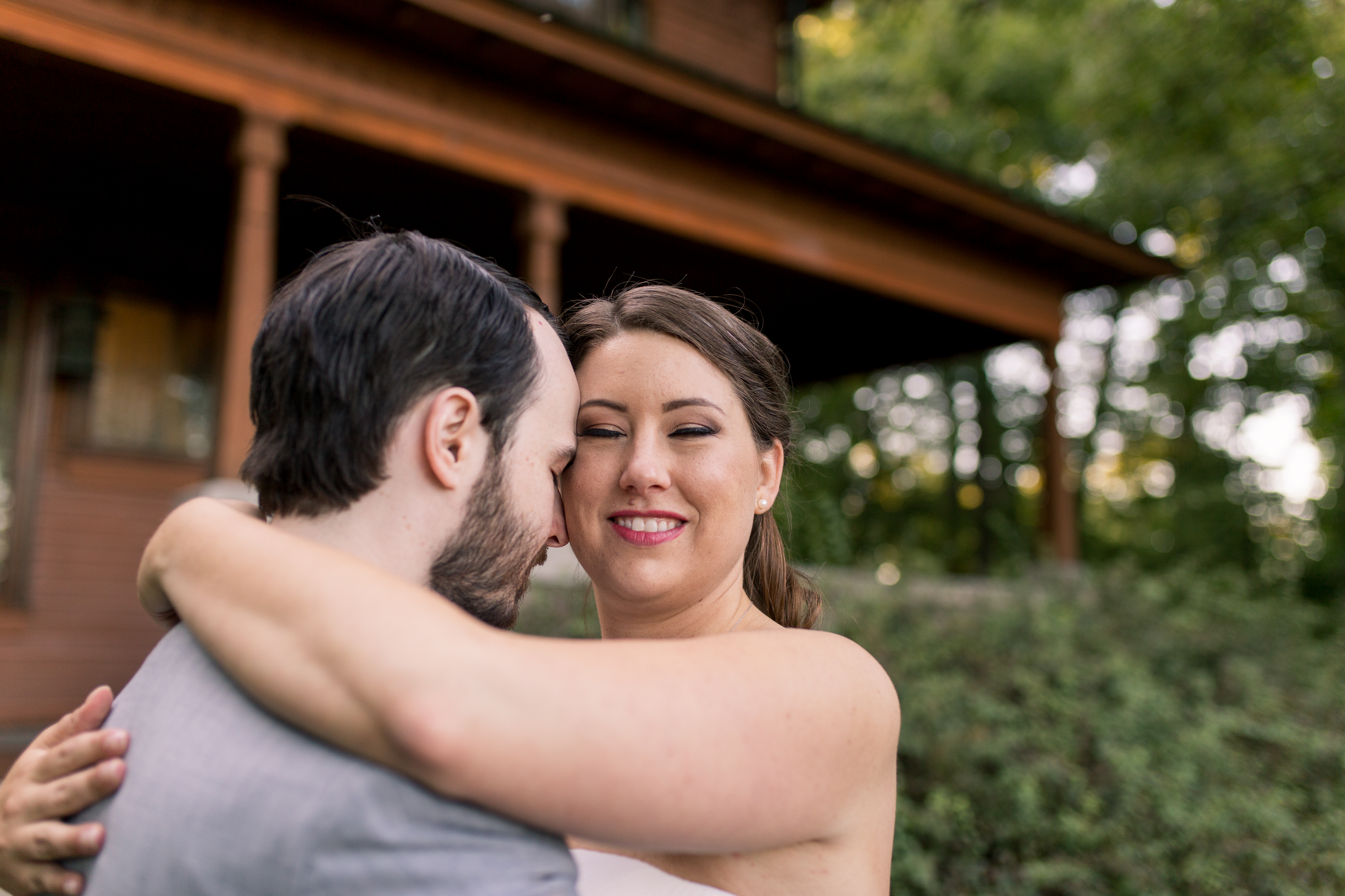 bride and groom at Minnetrista in Muncie Indiana wedding photographer
