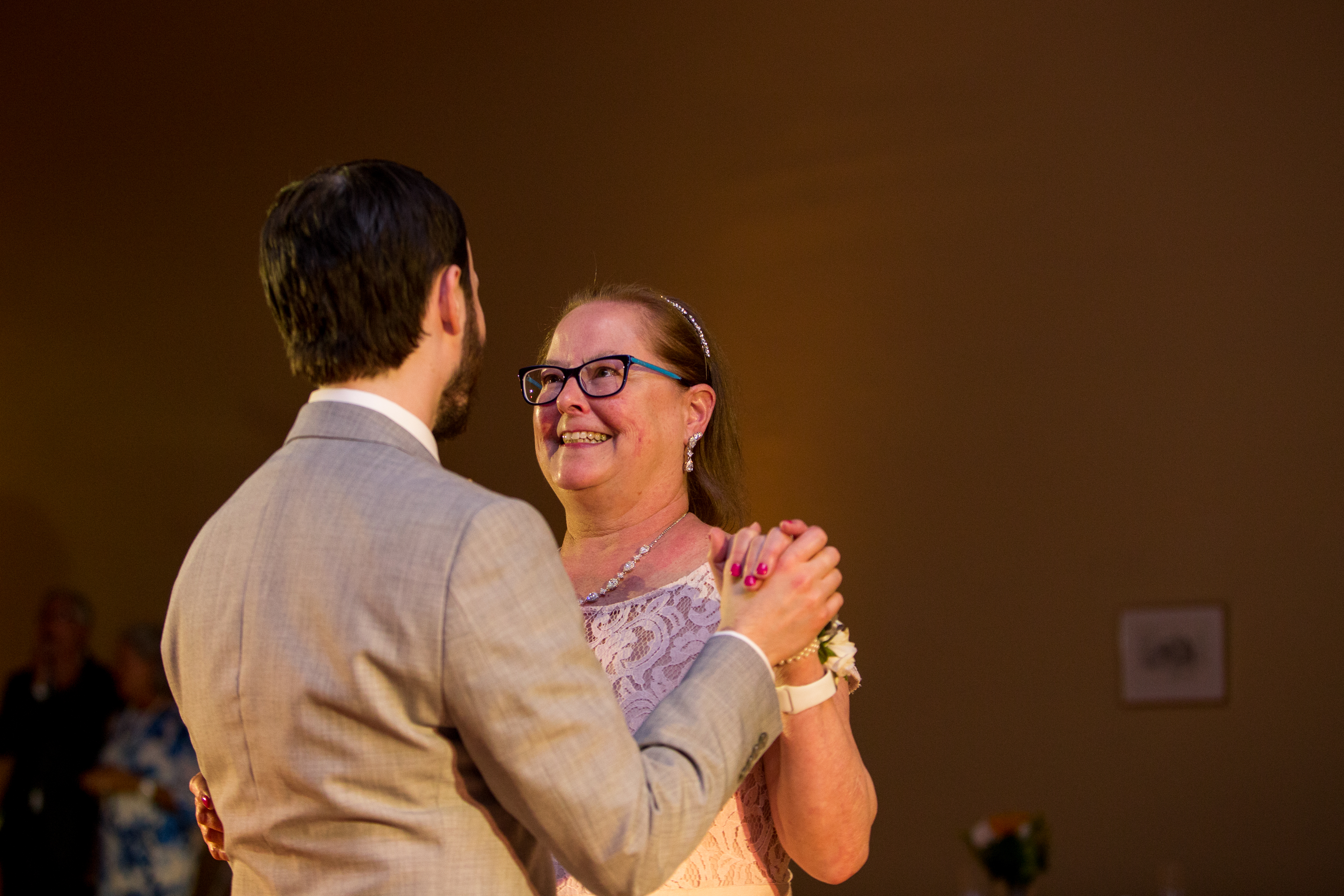 mother-son dance at Muncie Indiana wedding