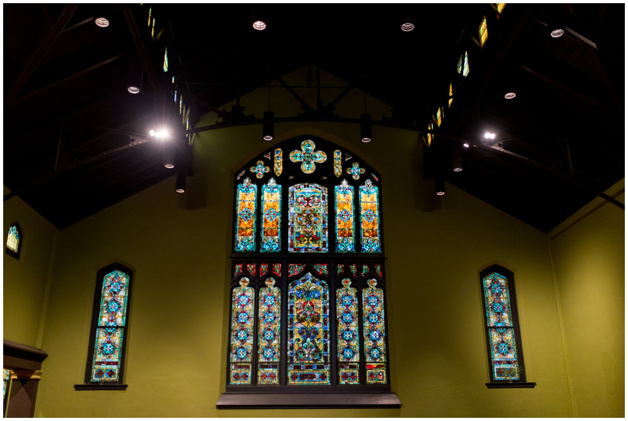 Redeemer Presbyterian Church Indianapolis wedding