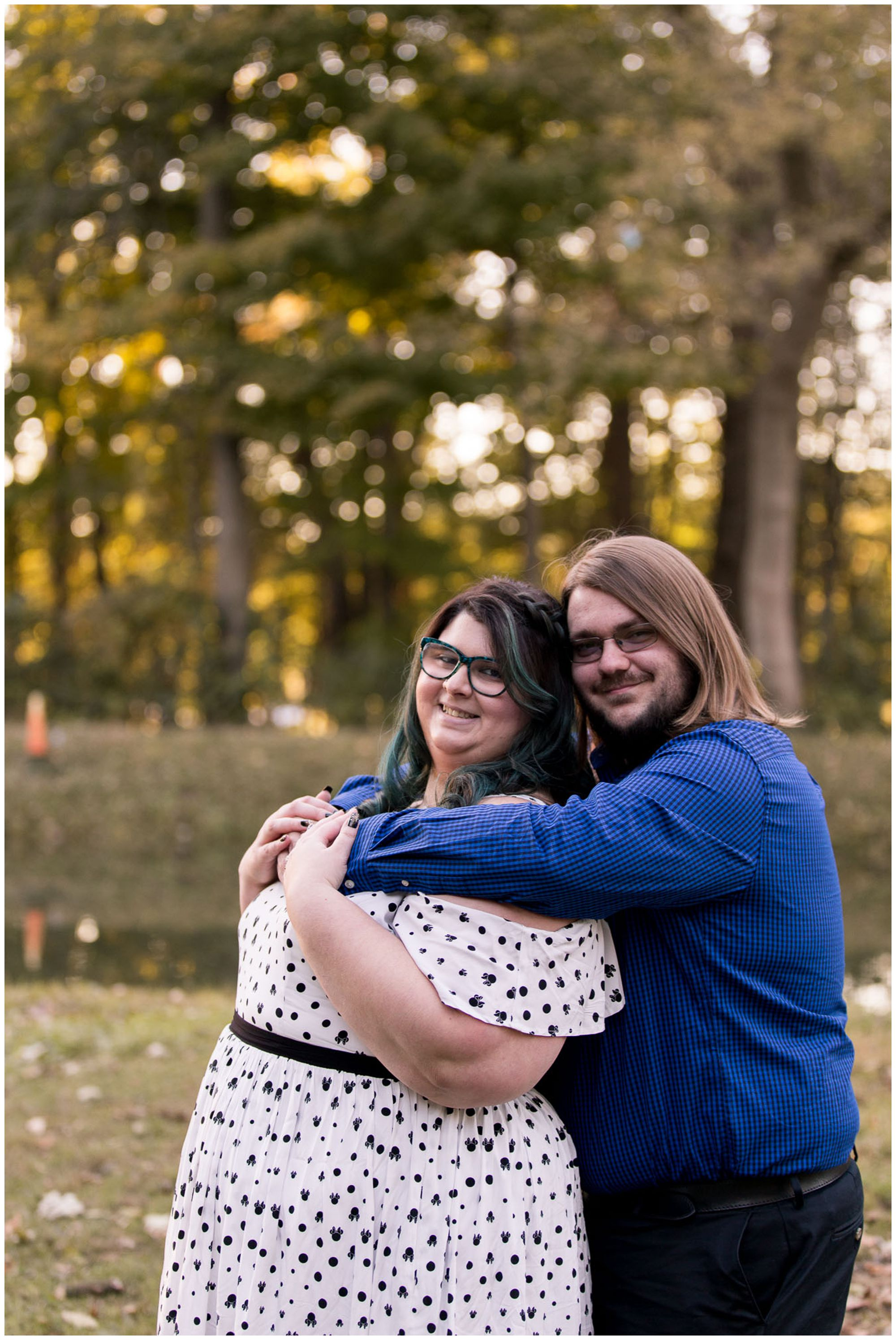 husband and wife anniversary session at Holcomb Gardens in Indianapolis