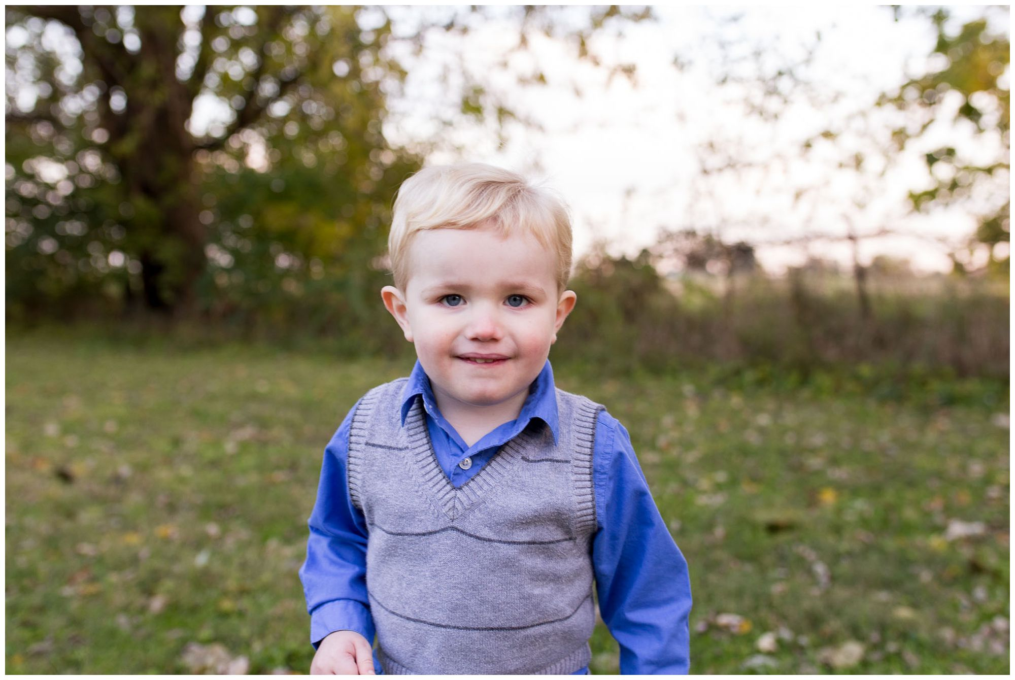 little boy portrait pose during Kokomo Indiana family session
