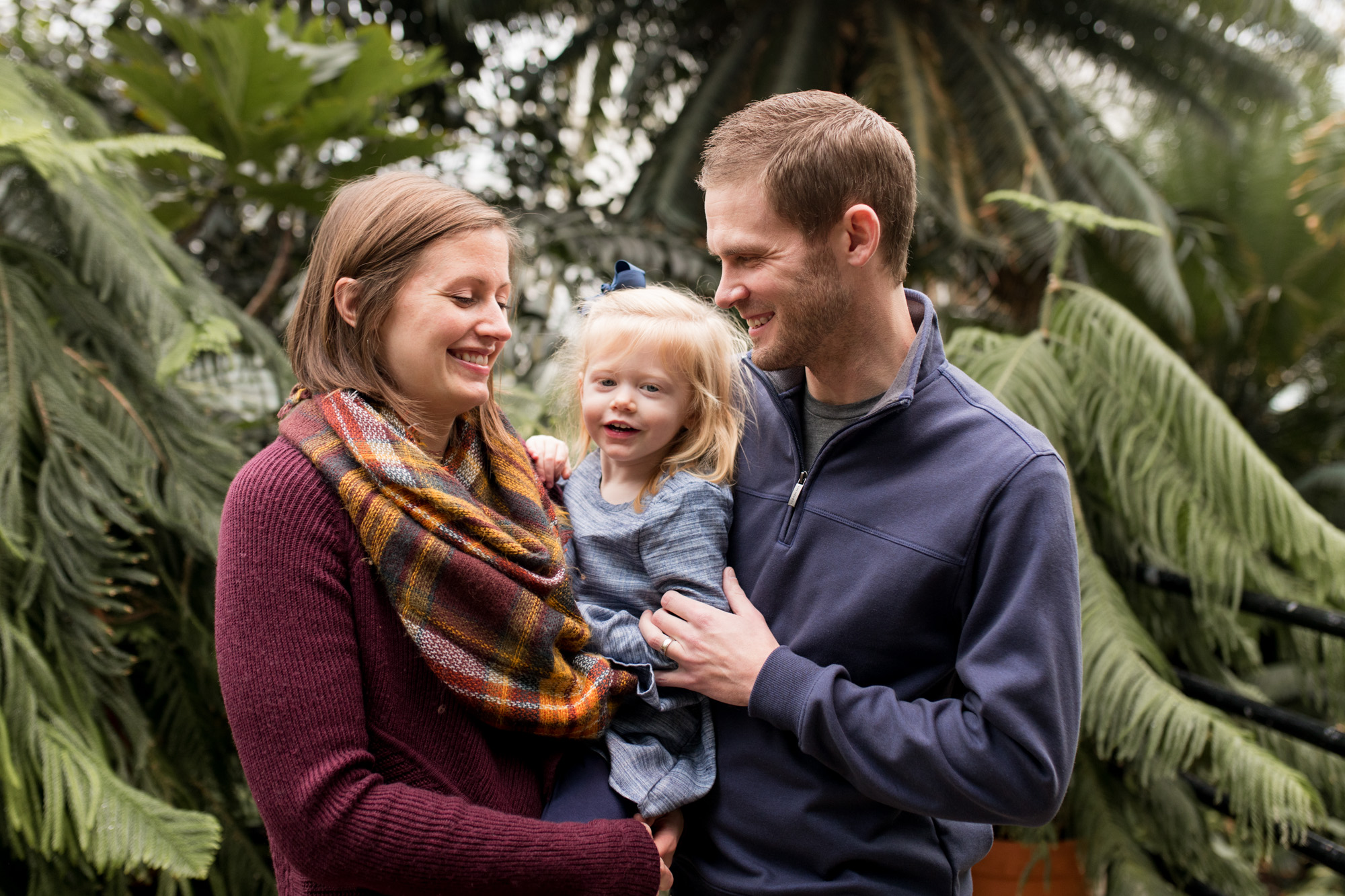 Foellinger-Freimann Botanical Conservatory family session in Fort Wayne Indiana