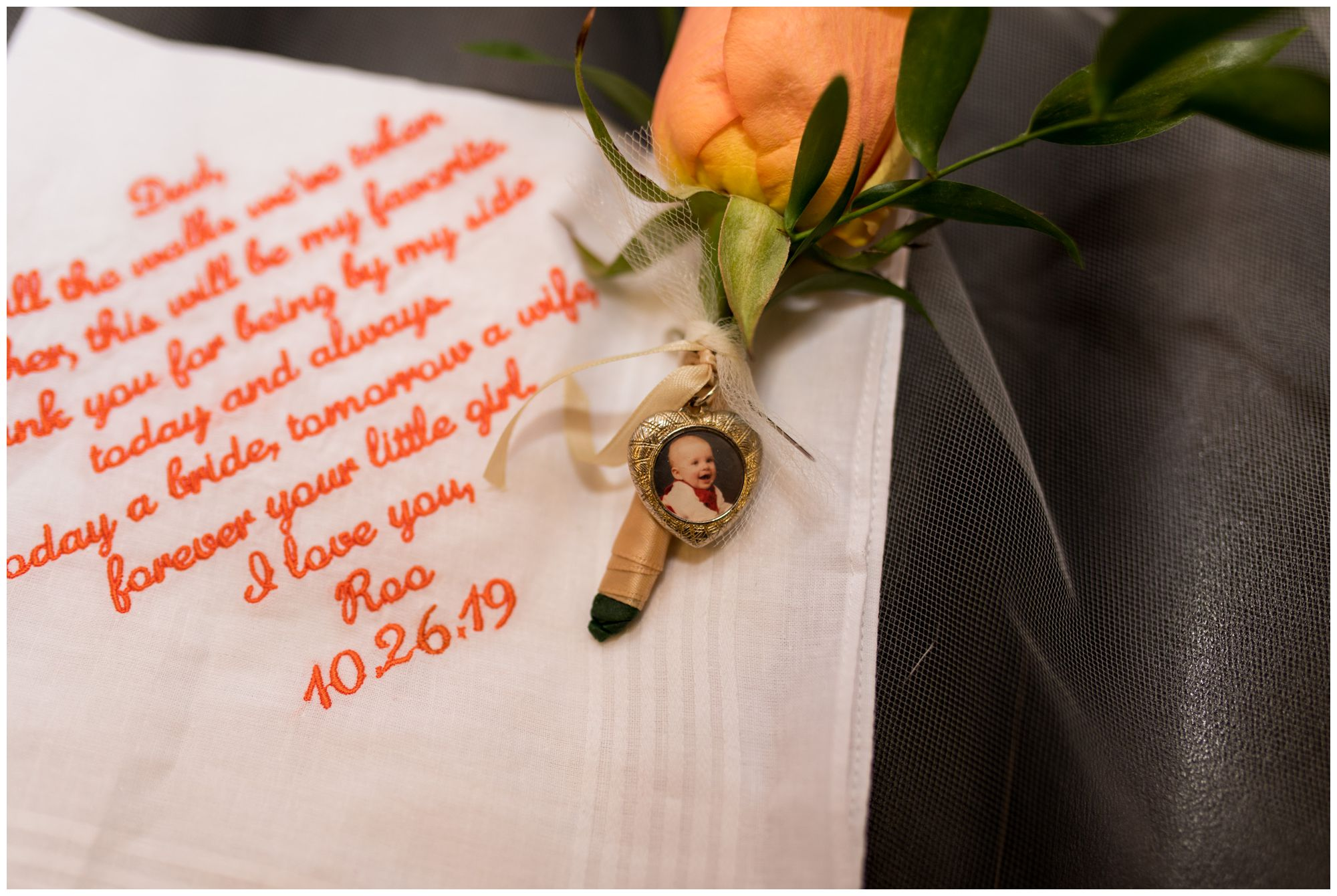 bride's gift to father on wedding day