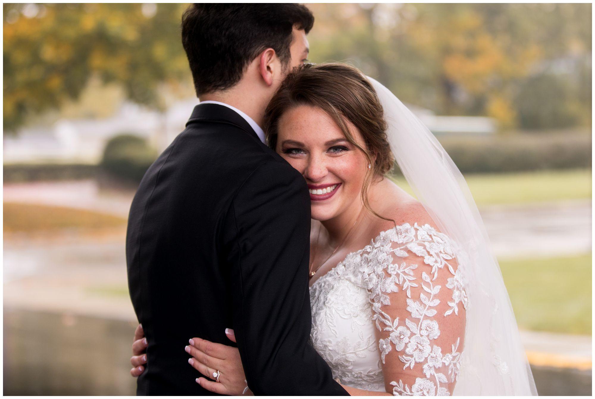 bride and groom Fort Wayne wedding photos