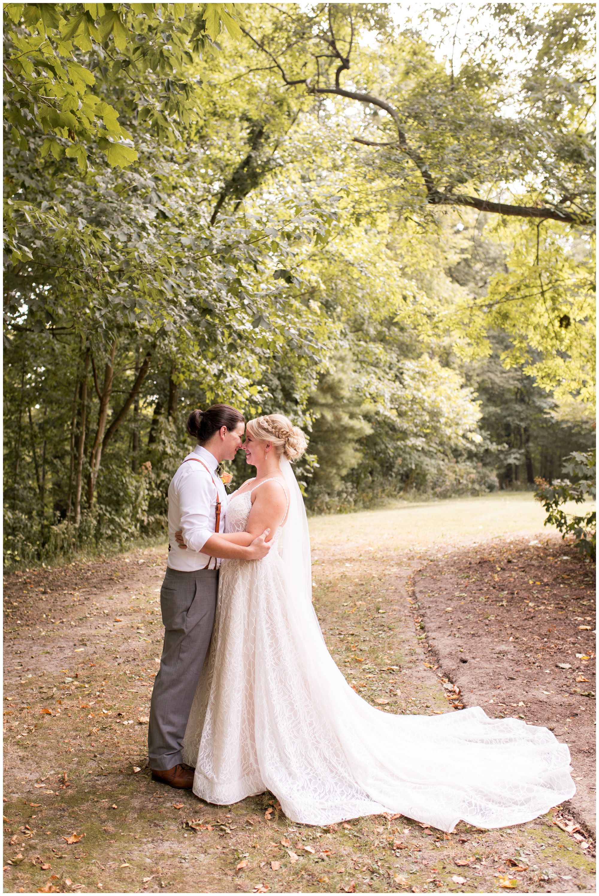 bride and groom wedding photos in Noblesville Indiana