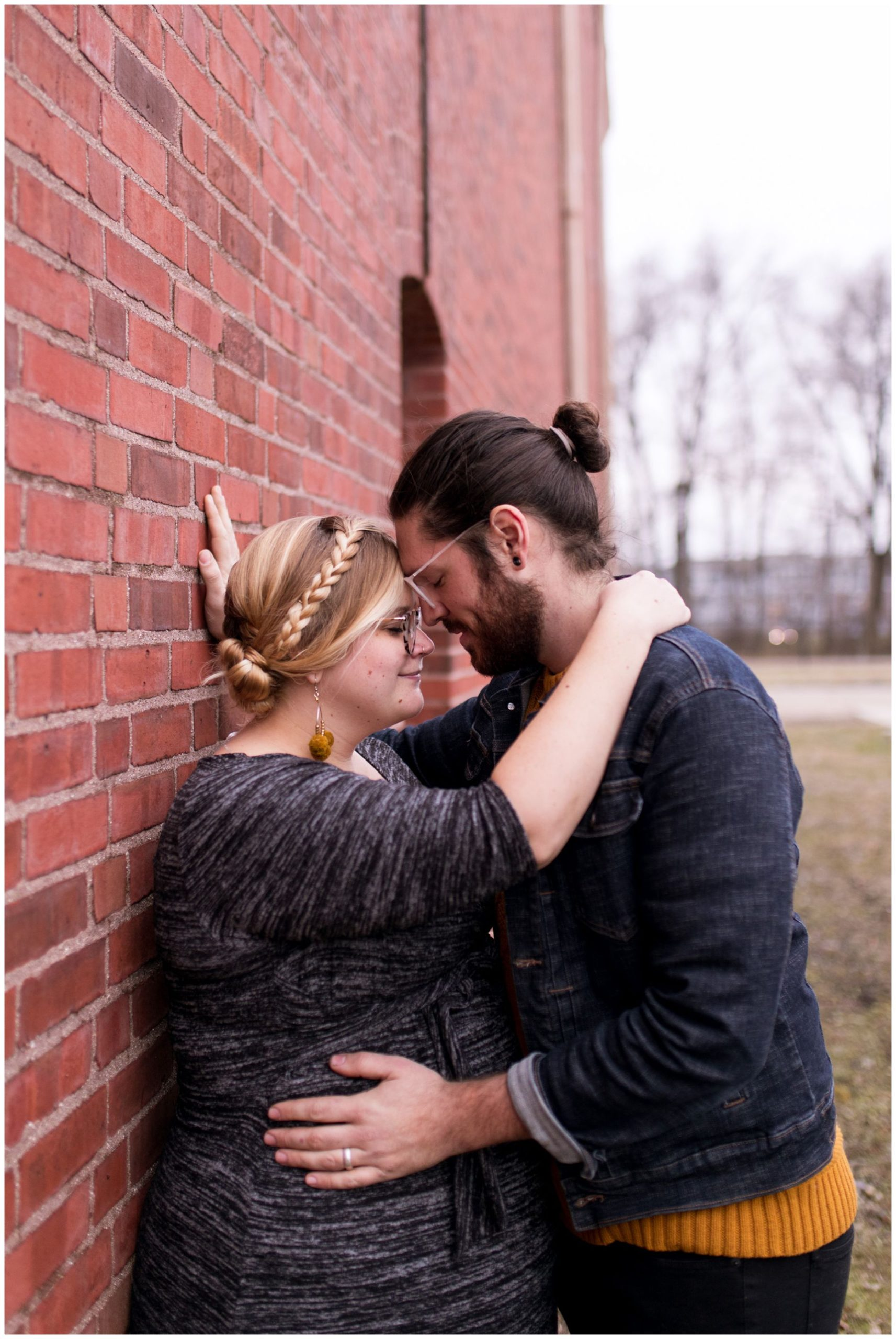 Indianapolis maternity session at Tinker House