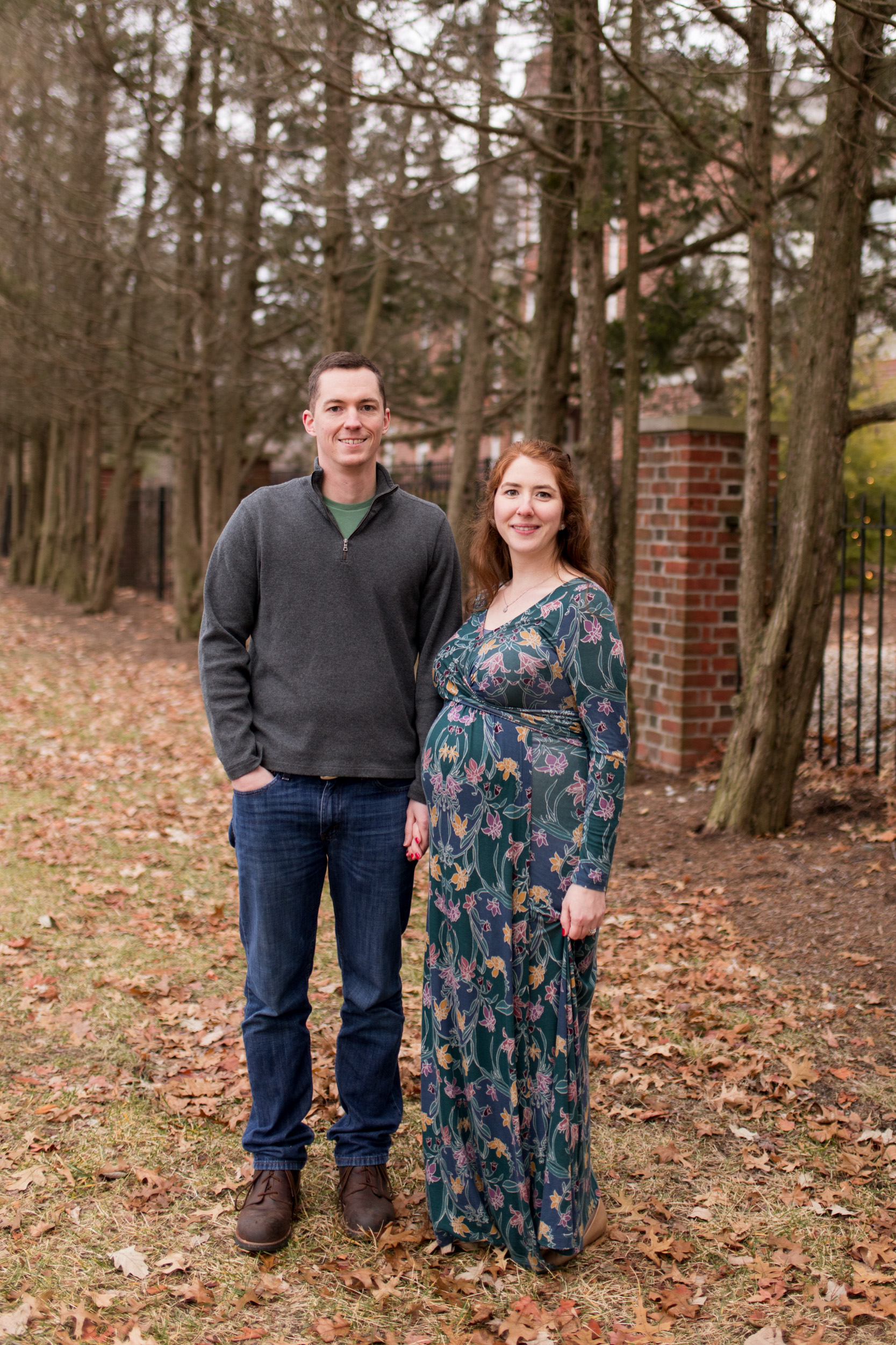 maternity session at Coxhall Gardens in Carmel