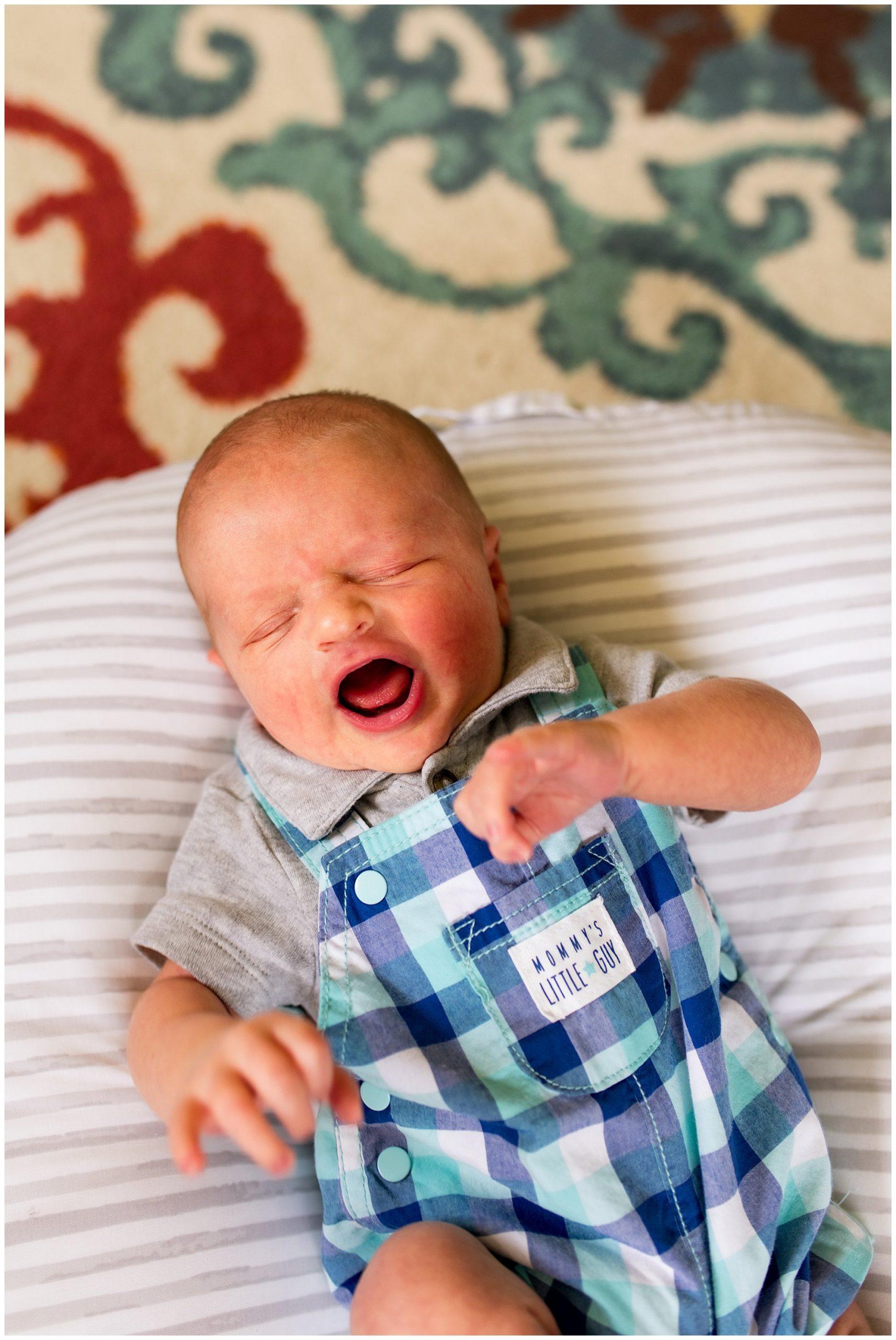 in home newborn session in Muncie, Indiana