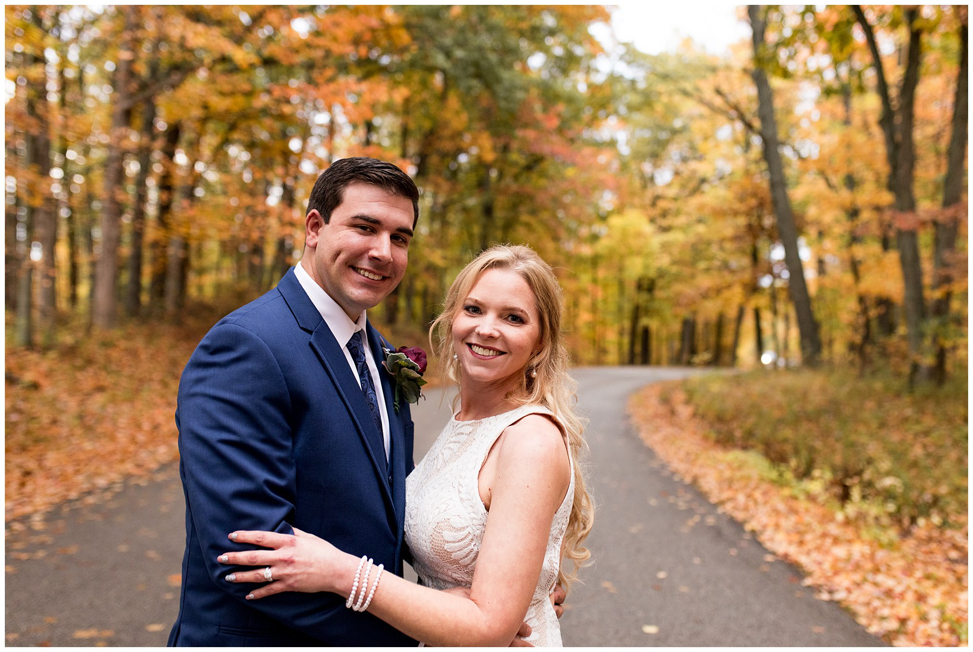 bride and groom wedding photos at Brown County State Park in Nashville Indiana